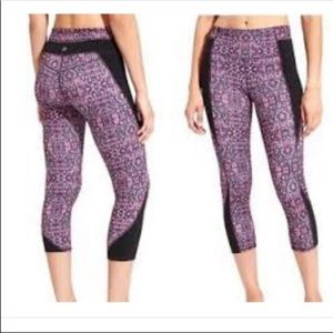 Athleta Chatarunga Tapestry Print Crop Leggings